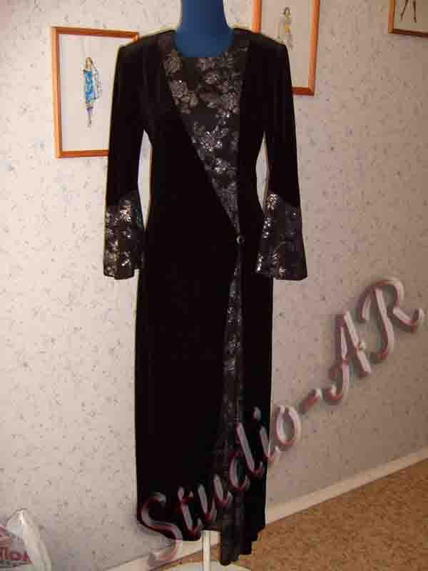 Вечернее платье с длинным рукавом со вставками из шелка.  3700 рублей)